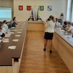 Молодые депутаты провели просветительскую акцию «Семейный диктант»